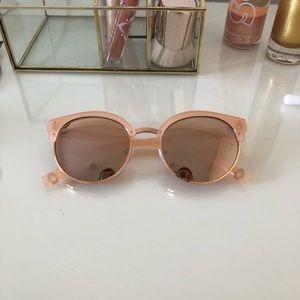 Accessories - rose gold sunglasses! 💓